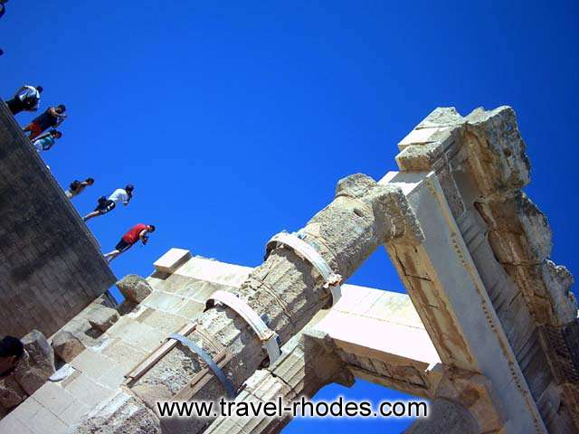Tourists taking pictures in Lindos Acropolis RHODES PHOTO GALLERY - LINDOS ACROPOLIS