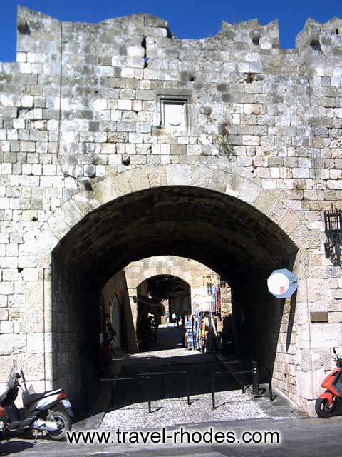 Entrance - One of the entrances to the old town of Rhodes