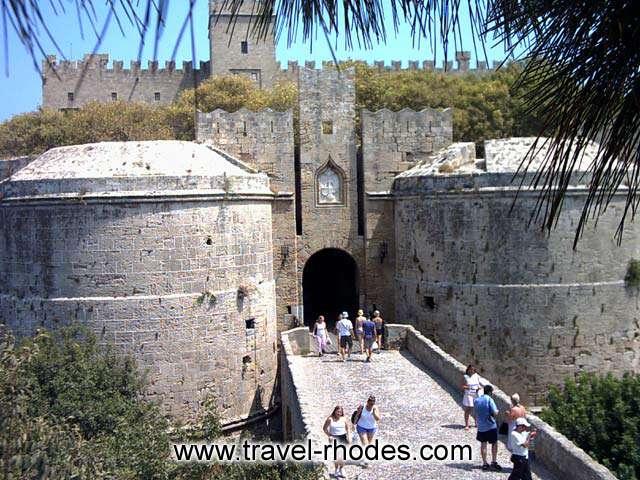 AMBOISE GATE -